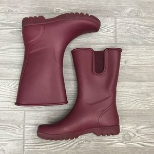 Red / purple size 7 sperry rain boots water proof